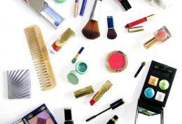 عوارض و ضررهای لوازم آرایش