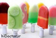 بستنی کم چرب خانگی با طعم موز و توت فرنگی