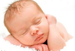 آیا شستن لباس نوزاد با  مواد عطردار زیان آور است؟