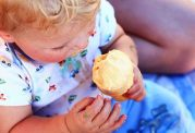 چگونه می توان بستنی را در رژیم غذایی کودکان جا داد؟