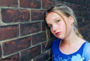 از کجا بدانیم  فرزند نوجوانمان افسرده شده است؟