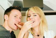 چه غذاهایی به بهبود رابطه جنسی کمک می کند
