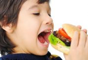 لزوم آموزش های رفتاری در تغذیه کودکان