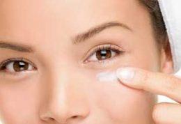 چرا برای پوست اطراف چشم نباید از ضد آفتاب استفاده کنیم؟