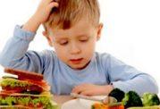 از دادن این غذا ها به کودکان پرهیز کنید