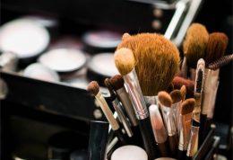 پوست های حساس و مبتلا به اگزما در هنگام آرایش به چه نکاتی باید توجه کنند