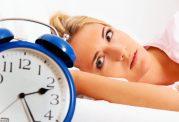 اگر دچار کم خوابی هستید  شبها شیرینی نخورید