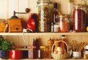 در آشپزخانه مواد غذایی را هم خانه تکانی کنید
