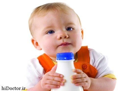 نوجوانان چگونه کودک را به خوردن شیر عادت دهیم؟