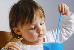 نکاتی مهم در رابطه با آبمیوه دادن به کودک