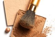 با استفاده از برنزه کننده, پوست را برنزه کنیم