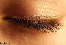 به مژه هایتان برسید چون زیبایی چشمان شما در مژه هایتان است