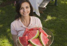 چطوری در تابستان از کم آب شدن بدن جلوگیری کنیم