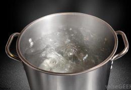 ضدعفوني كردن آب شرب در مسافرت با جوشیدن