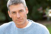 تاثیر مواد طبیعی در جلوگیری از سفید شدن مو