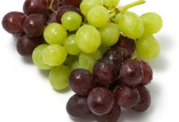 فواید مهم خوردن انگور با هسته اش