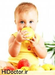 میوه دادن به کودک چگونه و به چه طریق