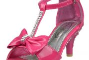 کفش پاشنه بلند برای کودک نخرید