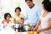 در سال های اول زندگی  عادات غذایی شکل می گیرند