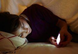خوابیدن شبانه با موبایل و عوارض ان