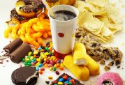 خوراکی های شیرین مضر برای بیماران سرطانی