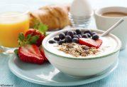 کاهش پرخوری در روز با مصرف صبحانه کامل