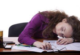 چگونه از شر خواب آلودگی ظهرانه خلاص شویم؟