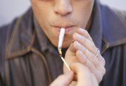 بکار بردن تنباکو سبب عفونت دهان میشود