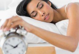 اگر زیاد می خوابید ؛ کبدتان بیمار است!