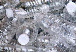 چرا نباید از بطری های پلاستیکی استفاده کنیم؟