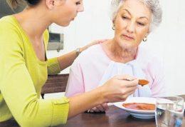 وضعیت خورد و خوراک سالمندان چگونه باید باشد