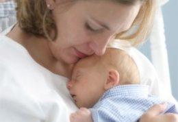 همه چیز در مورد وزن گیری کودک با شیر مادر