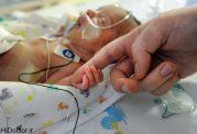 تسریع بهبود نوزاد در NICU با حضور مادر