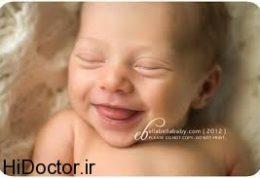 دلیل لبخند نوزادان چیست؟