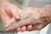 پیری دست یک سالمند