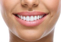 راز افرادی که دندان براق دارند