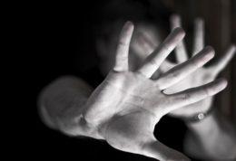 تجاوز و پیامدهای روحی و روانی آن