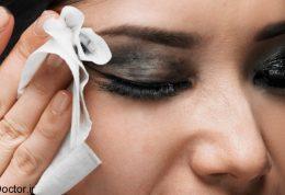 هرگز برای پاک کردن آرایش چشم از دستمال مرطوب استفاده نکنید