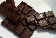 نکاتی در ارتباط با شکلات خوردن
