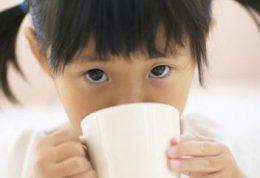 نکات مهم در دادن چای به اطفال