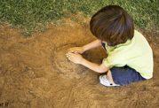تاثیرات مفید بازی با خاک برای سنین پایین