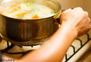 چطوری سوپ پنیر و کلم بروکلی  تهیه کنیم