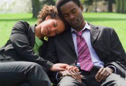 نحوه خوابیدن زوجین و روحیات آن ها