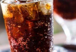 تاثیرگذارترین نوشیدنی ها روی بلوغ دختران
