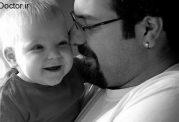 نوزاد و دریافت آرامش از پدر