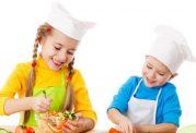 تغذیه اطفال و تشویق آنان به مصرف خوراکی مغذی