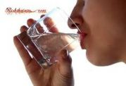 اهمیت نوشیدن آب پس از بیداری