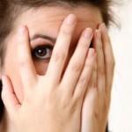 با کدام ویتامین ها گودی و تیرگی زیر چشم از بین می رود؟
