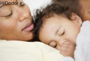اهمیت آغوش مادر برای فرزند