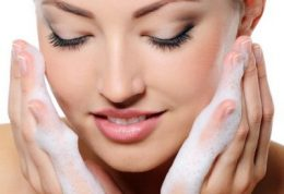 با توجه به نوع پوستتان ، شستشو دهنده مناسب را انتخاب کنید